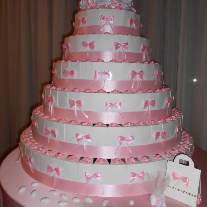 Μπομπονιέρες γάμου σε σχήμα τούρτας - ΚΩΔ.: BG006 | μπομπονιέρες γάμου από heartsunionart.gr